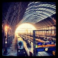 Photo taken at Frankfurt (Main) Hauptbahnhof by Bjoern E. on 11/22/2012
