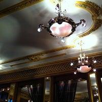 Foto tirada no(a) Grand Café des Négociants por Cyril R. em 3/2/2013