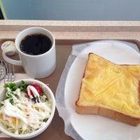 Photo taken at 海浜幕張Saint ETOILE cafe by Hiroaki K. on 10/24/2012