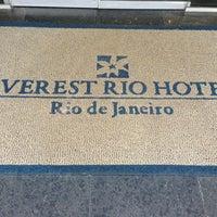 Das Foto wurde bei Everest Rio Hotel von sneakerpimp am 3/13/2013 aufgenommen