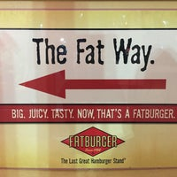 Photo taken at Fatburger by sneakerpimp on 11/8/2015