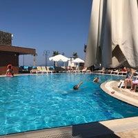 Das Foto wurde bei Suhan360 Hotel & Spa von Orkun Küçükmemisoglu am 8/27/2017 aufgenommen