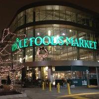รูปภาพถ่ายที่ Whole Foods Market โดย Jessica M. เมื่อ 12/17/2012