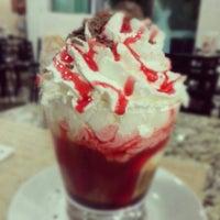 Photo taken at Fran's Café by M. Ricardo V. on 10/16/2012