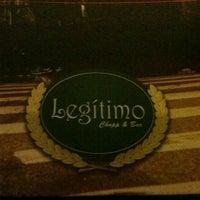 Foto tirada no(a) Legítimo Bar por Angela T. em 6/1/2013