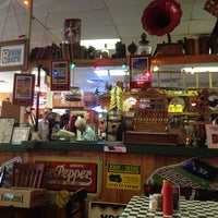 Photo taken at JG's Old Fashioned Hamburgers by Sarah C. on 2/8/2013