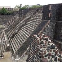Foto tomada en Zona Arqueológica Tlatelolco por Hugo el 10/8/2012