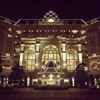 Photo taken at Tokyo Disneyland Hotel by ぽこにゃん on 7/21/2013