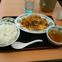 Photo taken at 日高屋 小岩北口店 by MIC on 4/9/2016