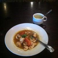 Foto scattata a Lotus Thai Cuisine da Carmelle P. il 10/30/2012