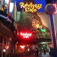 Photo taken at Rainforest Cafe by Wijdan O. on 6/26/2013