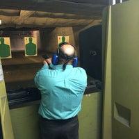7/18/2015 tarihinde Benjamin Michael B.ziyaretçi tarafından Bullseye Gun Range'de çekilen fotoğraf