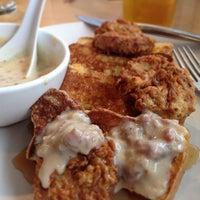 Foto scattata a Ma'ono Fried Chicken & Whisky da Scott H. il 6/8/2013