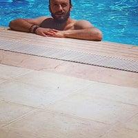 Photo taken at Ogretmenler site Havuz by Hakan H. on 6/23/2016