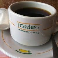 Foto tomada en Madero Restaurant-Café por jal f. el 7/4/2013