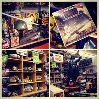 Photo taken at Black Rose Antiques & Collectables by Devin H. on 12/28/2013