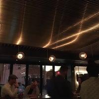 Foto tirada no(a) ROOT restaurant + wine bar por Devin H. em 3/26/2017