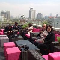 Photo prise au Azul Tapas Lounge par Tae-Yeong K. le4/8/2013