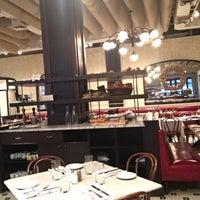 11/10/2017 tarihinde Aaron H.ziyaretçi tarafından Coquette Brasserie'de çekilen fotoğraf