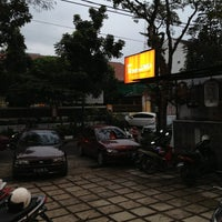 Photo taken at SMP Negeri 7 Bandung by Zamzam Y. on 2/16/2013