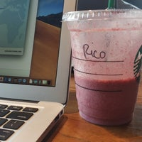 Foto diambil di Starbucks oleh eriko u. pada 9/27/2018