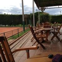 Photo taken at 40 Iguales Restaurante- Club Distrital by Sergio R. on 6/28/2013