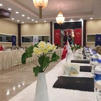 Снимок сделан в Esila Hotel Ankara пользователем Hotel E. 12/24/2017
