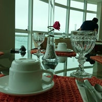 Foto tirada no(a) Restaurante Terraço Bistrô por Matheus R. em 7/5/2014