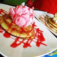 Photo taken at Pisetta (Italian ice cream & pancake parlor) by ライアン ラ. on 8/31/2013