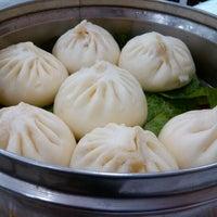 Foto tirada no(a) Rong He por Taka K. em 12/29/2012