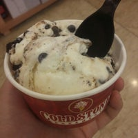 Photo taken at Cold Stone Creamery by Disya C. on 5/28/2015
