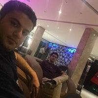 Photo taken at Darya Grand Hotel and Restaurant | هتل و رستوران بزرگ دريا by Yashar K. on 7/7/2017