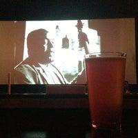 รูปภาพถ่ายที่ Alamo Drafthouse One Loudoun โดย Steve G. เมื่อ 5/11/2013