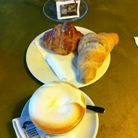 รูปภาพถ่ายที่ Il Caffè Mastai โดย Franco F. เมื่อ 1/20/2013