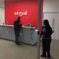 Photo taken at El Mall - Social, Media & Content Shops by Loshe D. on 9/27/2014