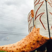 Photo taken at World's Largest Cowboy Boots by amy f. on 9/25/2016