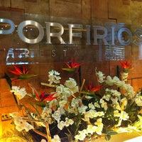 Foto tomada en Porfirio's Restaurant por DANIEL V. el 7/24/2013