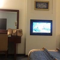 Photo taken at Dar Al-Eiman Royal Hotel | مكه المكرمه by Ghaith on 11/24/2017