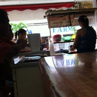 Photo taken at Tacos Y Comida by Alejandro G. on 10/5/2013