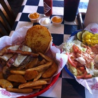 Photo taken at Fuddruckers by Larry M. on 10/13/2012