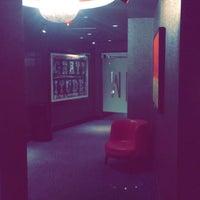 Foto scattata a iPic Theatres da Abdul A. il 5/29/2017