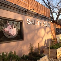Photo prise au Salty Sow par Rachelle K. le2/25/2013