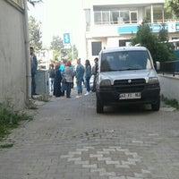 Photo taken at Özgediz Sürücü Kursu SRC Eğitim Merkezi by Volkan K. on 5/14/2016