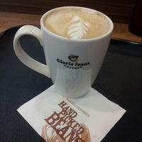 Photo taken at Gloria Jean's Coffees by Zhivaan R. on 3/6/2013