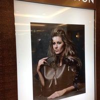 Photo taken at Louis Vuitton 小田急新宿店 by Love_parks on 3/24/2014