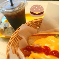 Photo taken at Freshness Burger by Love_parks on 7/6/2016