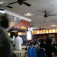Photo taken at Sri Wangsa Seafood by Nordin R. on 1/25/2013