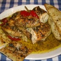 5/26/2013にbill c.がGio's Chicken Amalfitanoで撮った写真