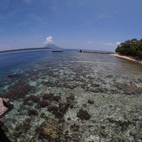 Photo taken at Pulau Siladen by Jimmy Y. on 4/24/2016