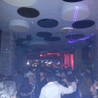 5/18/2013 tarihinde Gökhan A.ziyaretçi tarafından Shot Bistro Lounge & Bar'de çekilen fotoğraf